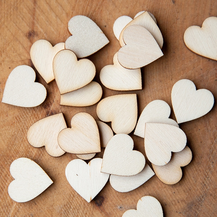 2cm wooden hearts