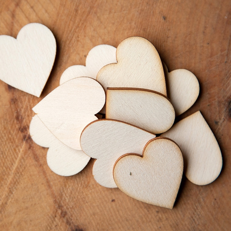3cm wooden hearts