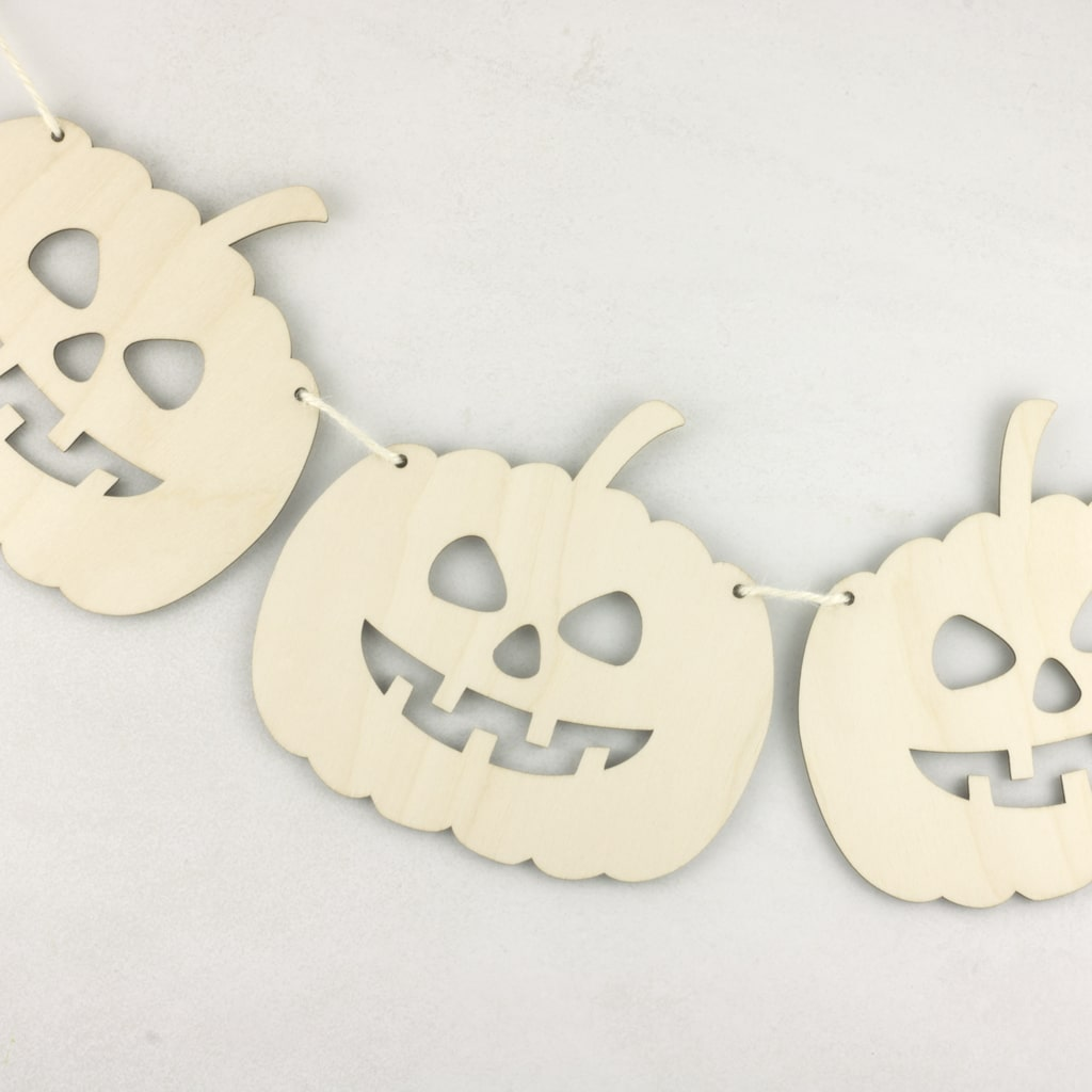 Wooden Hanging Halloween Pumpkin Bunting