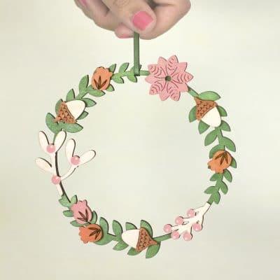 artcuts wooden wreath