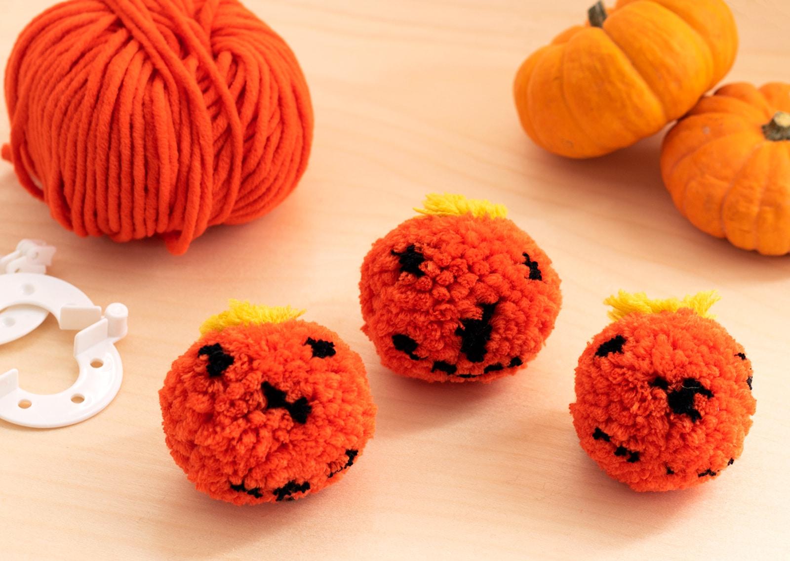 Halloween Pumpkin Pom Pom